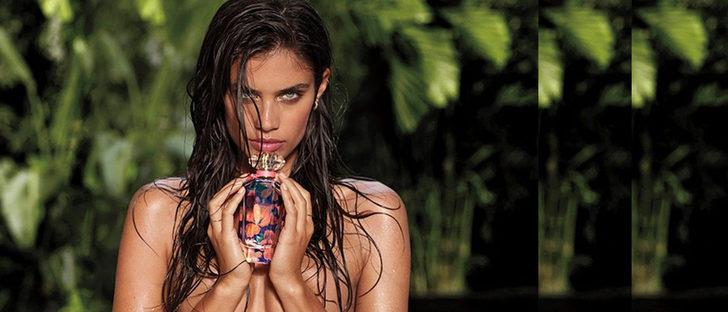 Victoria's Secret lanza de la mano de Sara Sampaio el perfume de edición limitada 'Very Sexy Now'