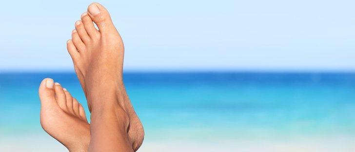 ¿Por qué se hinchan los pies en verano?