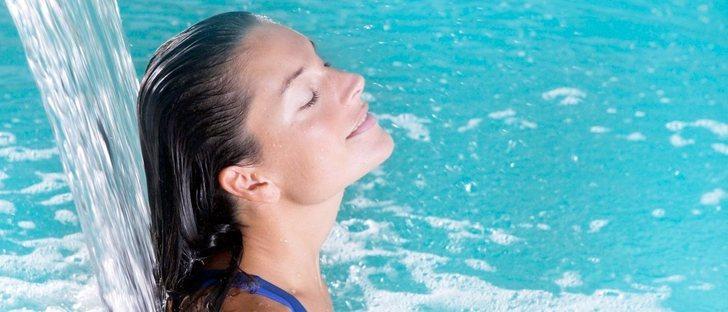Talasoterapia: beneficios del agua del mar para la piel