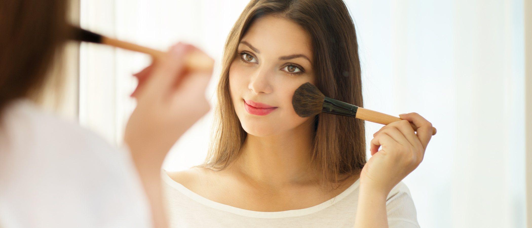 Cómo maquillarse para disimular la papada