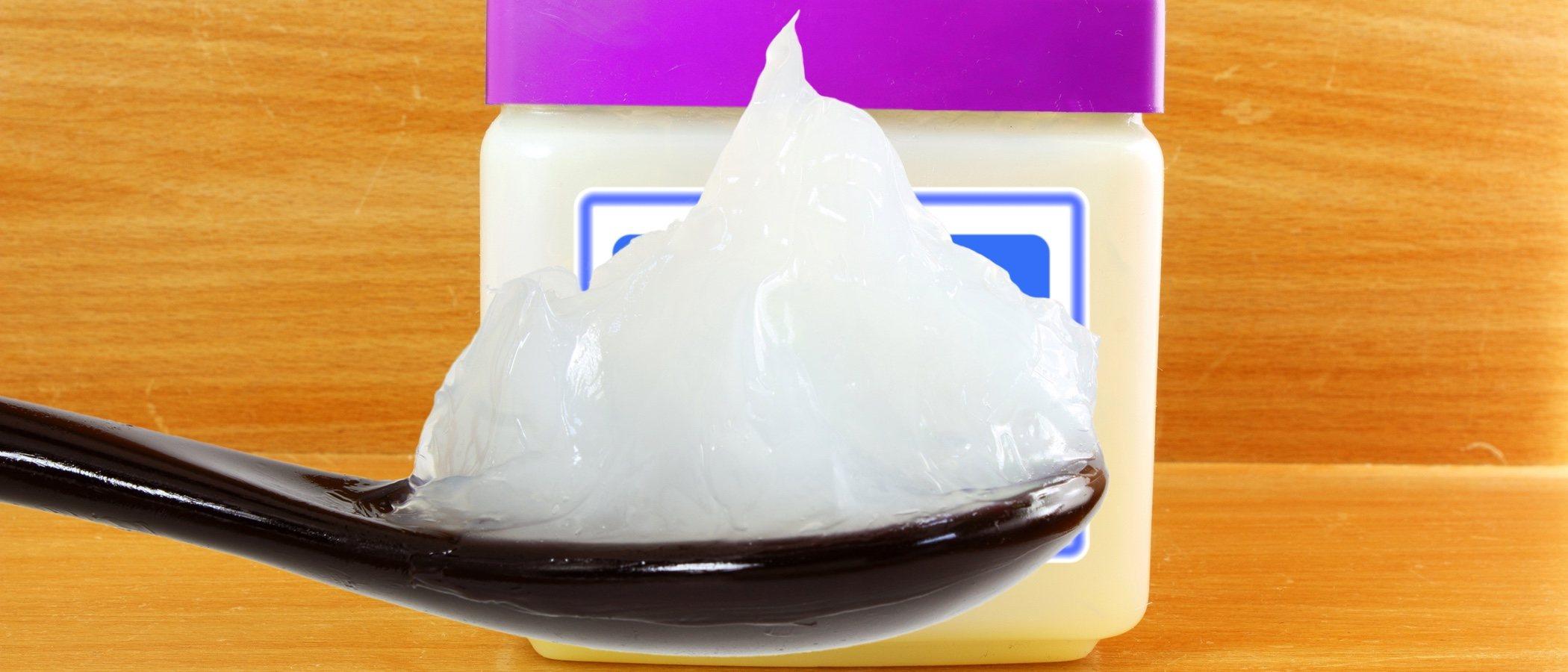 Propiedades de la vaselina líquida para tu belleza