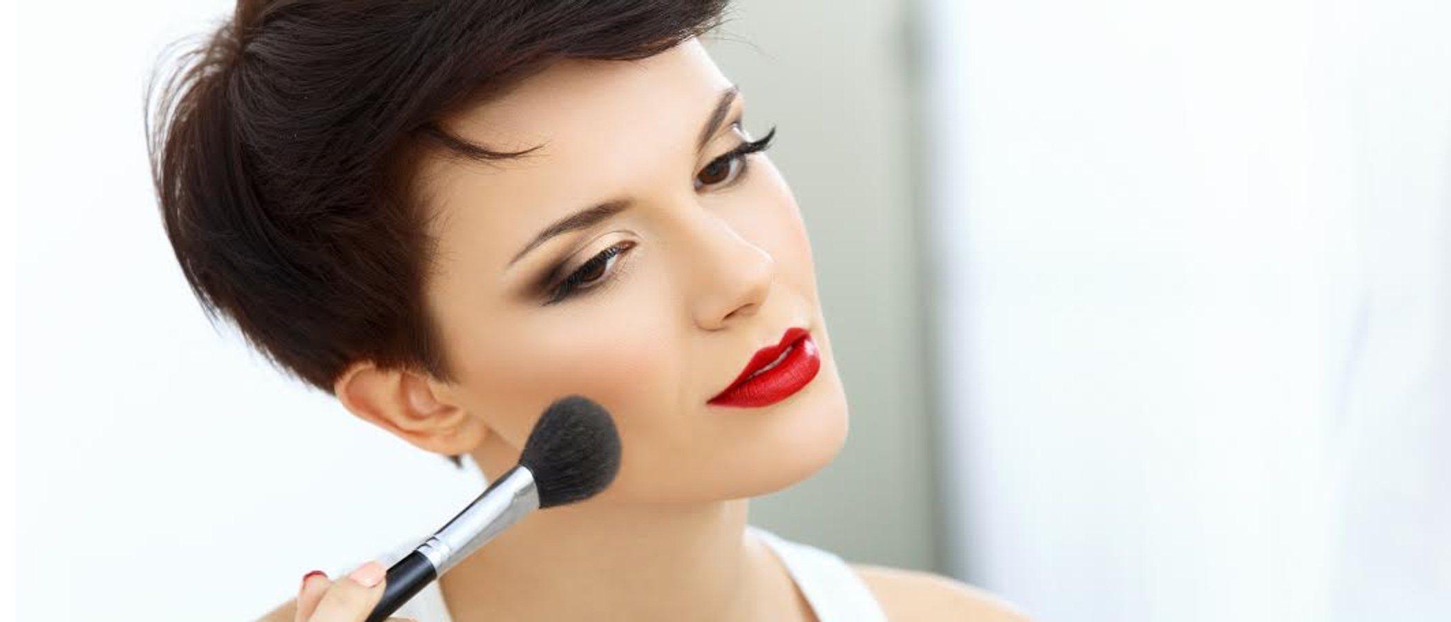 Cómo maquillarse si tienes la cara rectangular