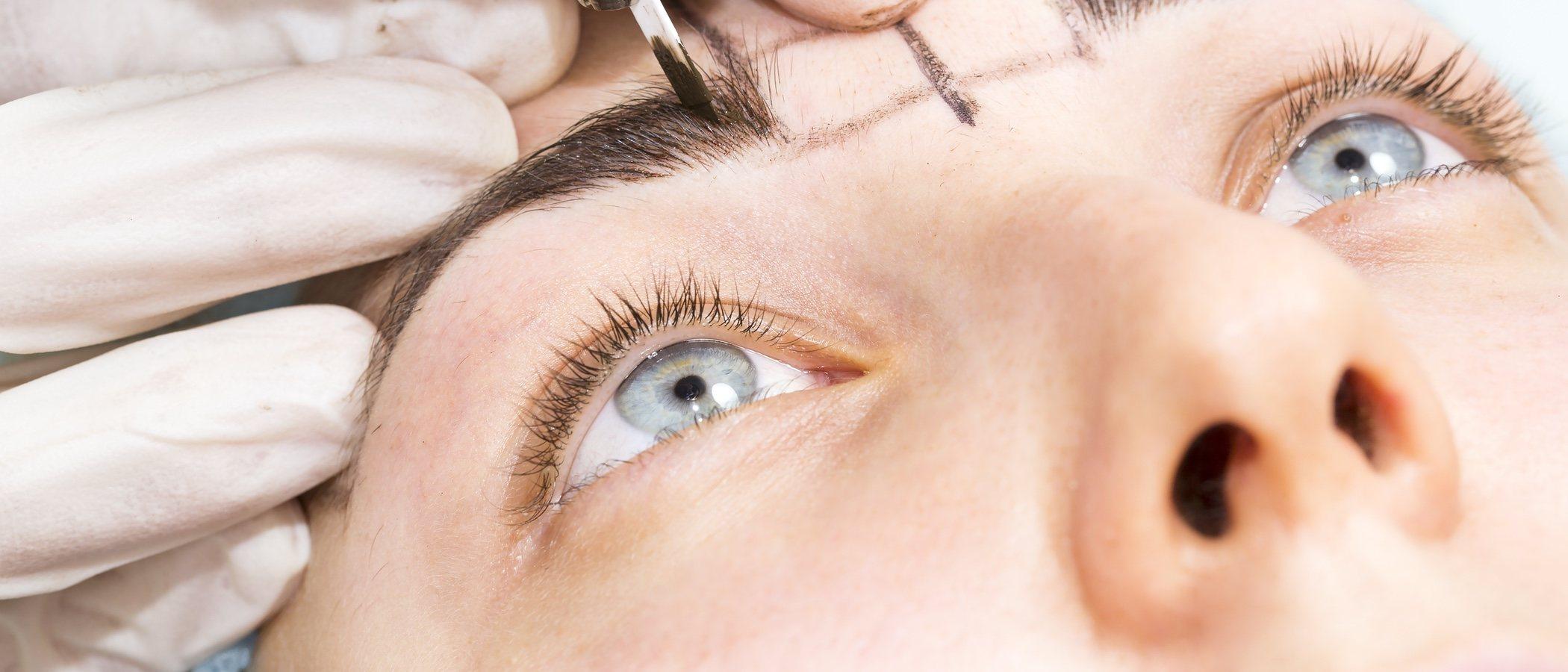 Cómo maquillarse las cejas con lápiz delineador