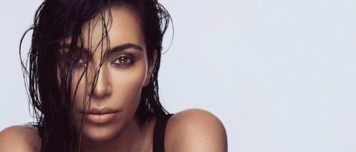 Kim Kardashian anuncia una nueva colección de labiales y delineadores en tonos nude para KKW Beauty