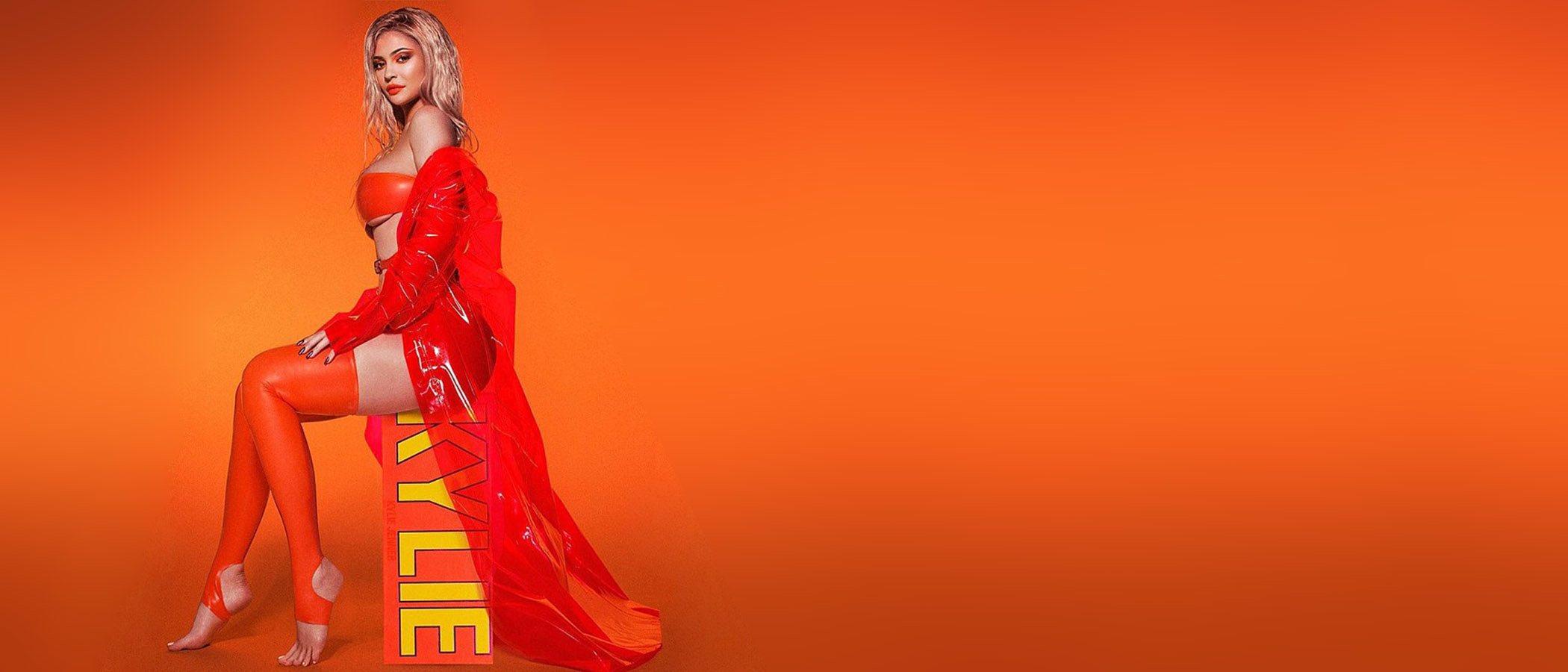 Kylie Jenner sorprende con una nueva colección de maquillaje, más hot y vibrante que ninguna otra