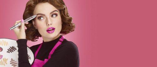 Benefit sorprende con un nuevo producto en forma de bolígrafo multicolor para maquillar las cejas