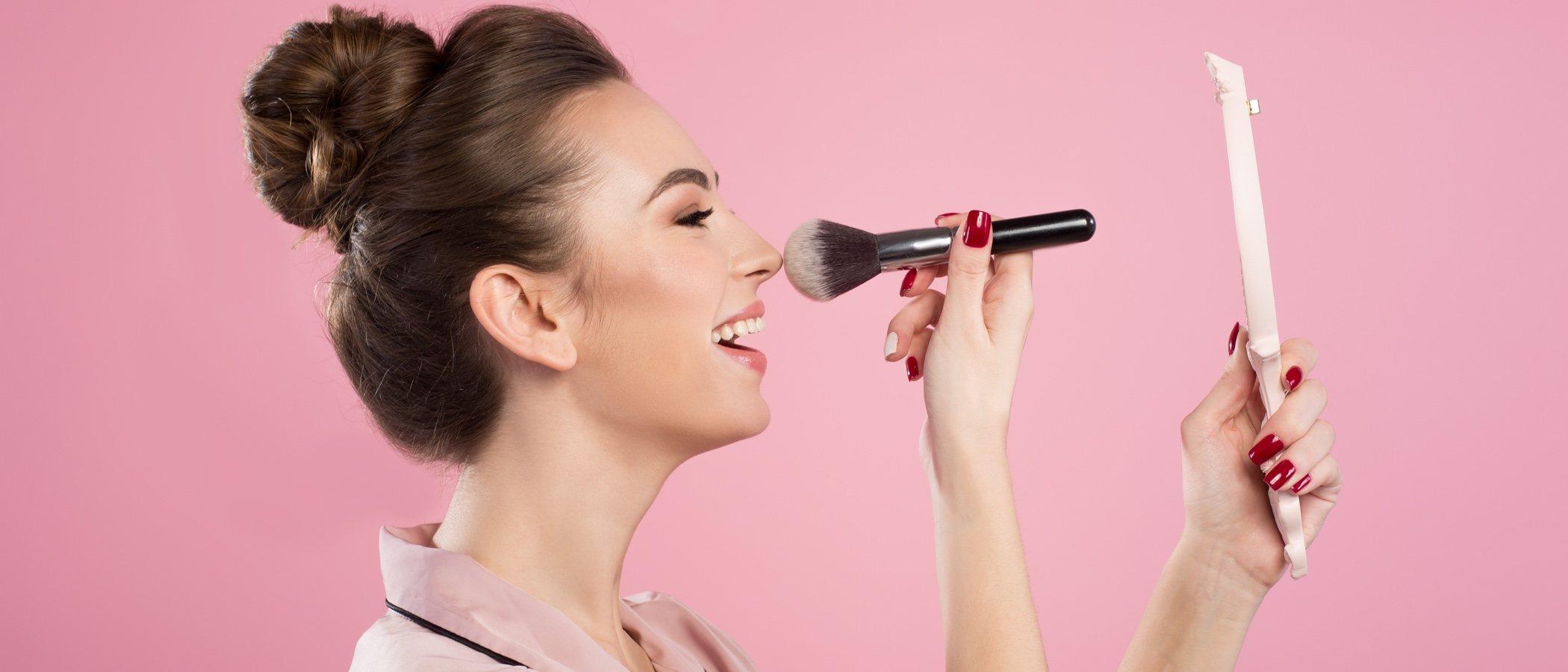 Cómo maquillarse la nariz para que parezca más pequeña