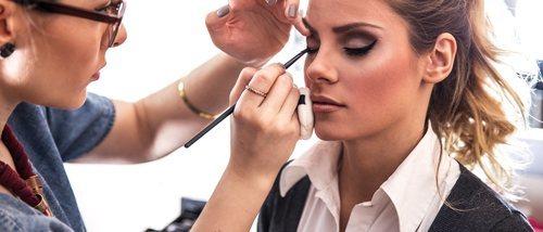 ¿Maquillarse a diario estropea la piel?