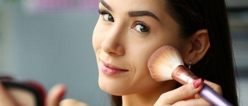 Cómo maquillarse cuando tienes manchas en la cara