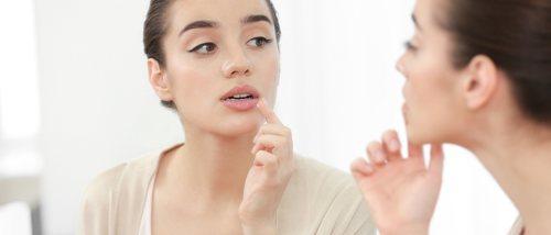 ¿Por qué salen calenturas en los labios?