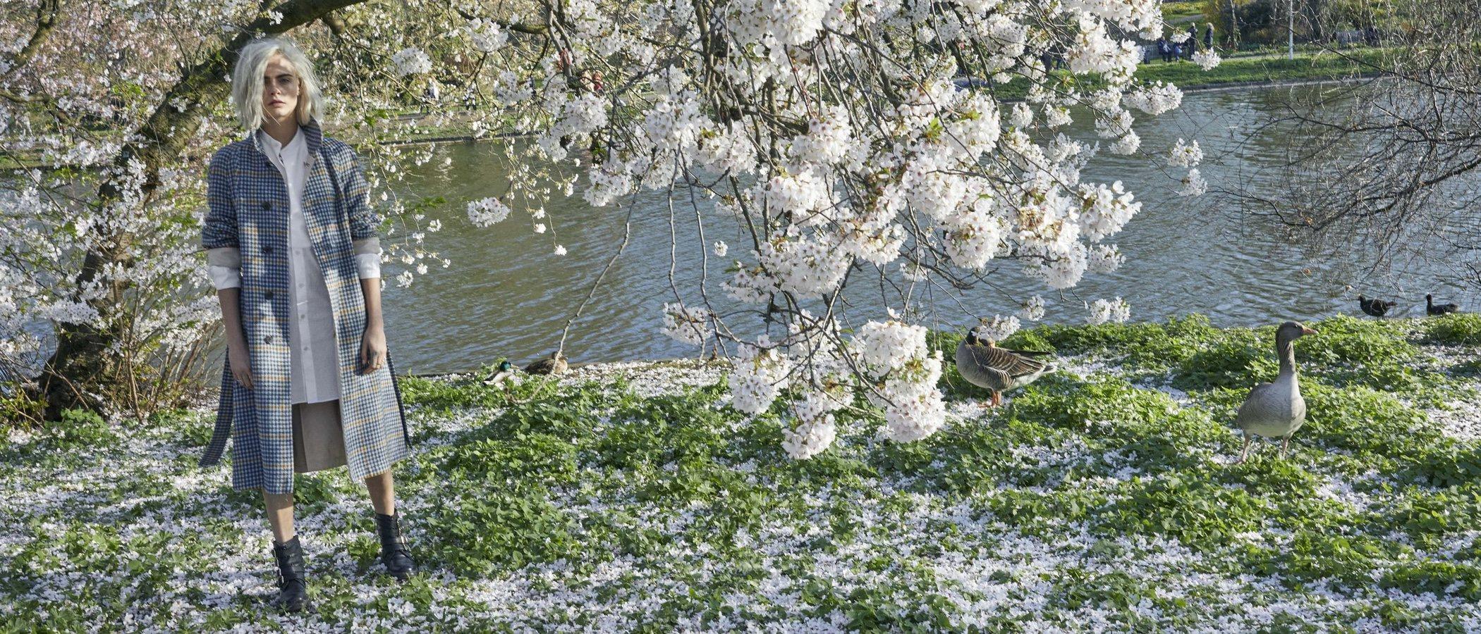 Así es 'Burberry Her Blossom', el nuevo perfume de Burberry con Cara Delevingne como embajadora