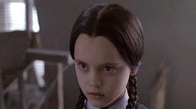 Conviértete en Miércoles de la familia Addams para Halloween