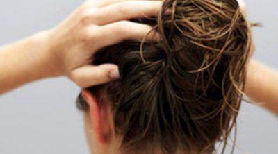 Cuidados para el cabello: tratamientos contra las raíces grasas