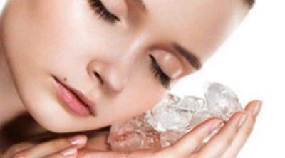 Reafirma tu rostro con cubitos de hielo