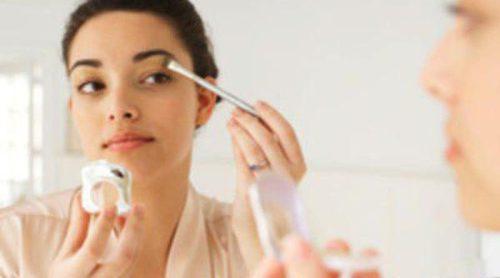 Errores de maquillaje que nos hacen envejecer