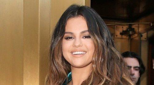 Selena Gomez anuncia el lanzamiento de su propia línea de maquillaje, Rare Beauty