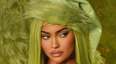 Kylie Jenner 'roba' la Navidad convertida en Grinch con su nueva colección de maquillaje