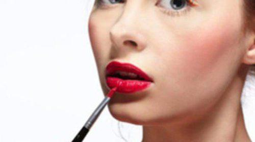 Aumenta el volumen de tus labios con unos sencillos trucos de maquillaje
