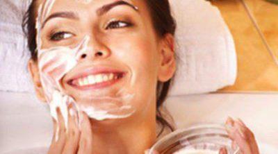Mascarilla de naranja y yogur contra las manchas y el acné