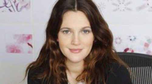 Drew Barrymore lanza su línea de maquillaje bajo el nombre de 'Flower'