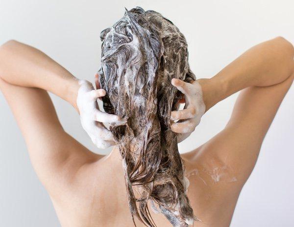 Los cabellos seco como la paja los medios públicos