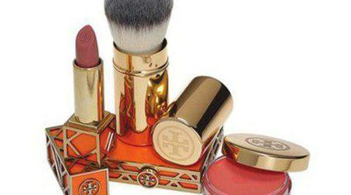 Tory Burch lanza su primer perfume junto a una colección de maquillaje efecto bronceado