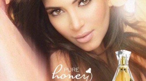Kim Kardashian promociona el lanzamiento de su nueva fragancia 'Pure Honey'