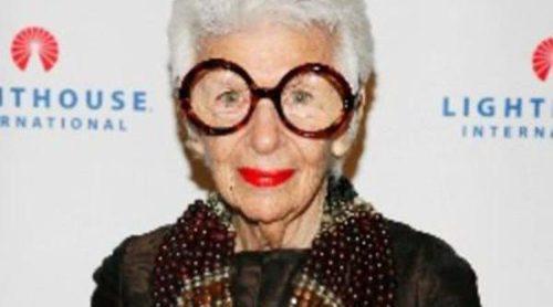 Iris Apfel para MAC: ahora más que nunca, la arruga es bella