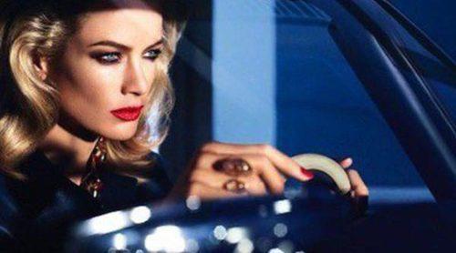 Carolyn Murphy presenta la nueva línea 'Pure Color Envy Sculpting Lipstick' de Estée Lauder
