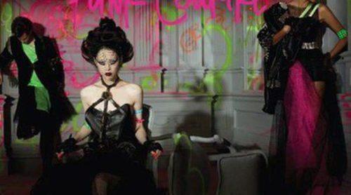 MAC sigue acumulando presentando colecciones estivales: 'Punk Couture'