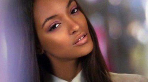 Burberry lanza su colección de maquillaje estival 'English Rose'