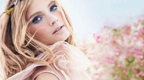 Celebra la primavera con la nueva fragancia de Estée Lauder, 'Pleasures Flower'