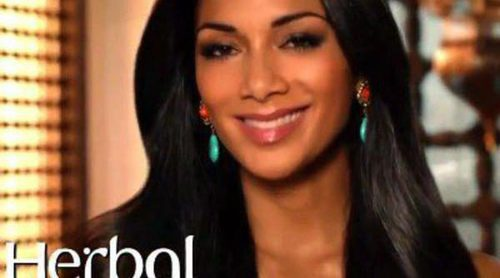 Nicole Scherzinger, espectacular en la nueva campaña de Herbal Essences