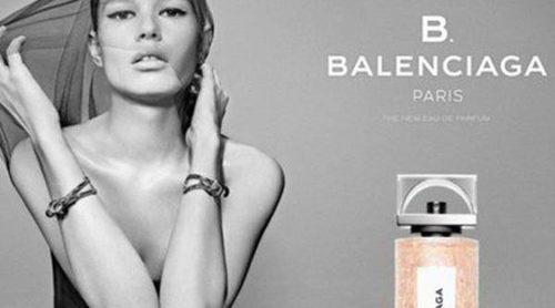 Alexander Wang crea su primer perfume para Balenciaga bajo el nombre 'B Balenciaga'