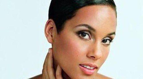 Alicia Keys, deslumbrante en la nueva campaña de 'Dahlia Divin' el nuevo perfume de Givenchy