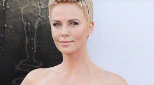 Charlize Theron critica a la industria de la belleza: