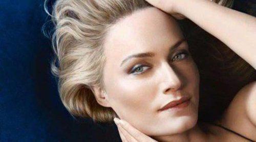 Amber Valletta presenta 'Blue Therapy Lift & Blur', el nuevo tratamiento lifting de Biotherm