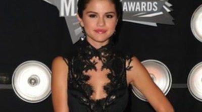Claves para conseguir el look de Selena Gomez