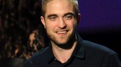 Robert Pattinson empieza el año rapándose la cabeza
