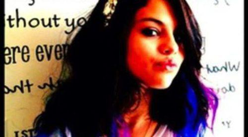 Selena Gomez se pasa al ombré hair: tiñe las puntas de su melena de azul