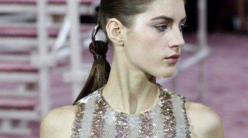 La Alta Costura de Dior reinventa la coleta: 'parte' por la mitad tu cabello