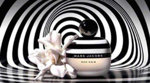 'Mod Noir', el placer de las gardenias llega de la mano de Marc Jacobs