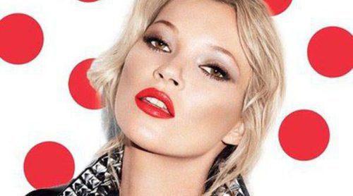 Kate Moss revoluciona el mundo make up con su barra de labios benéfica 'Red Nose Red'