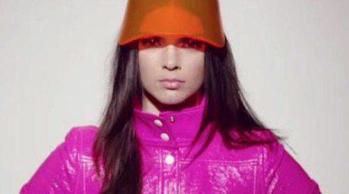 Kendall Jenner protagoniza una colorida campaña para la colección pop de Estée Lauder y Courrèges