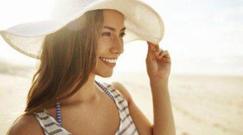 ¿Cómo mantener el pelo brillante durante el verano?