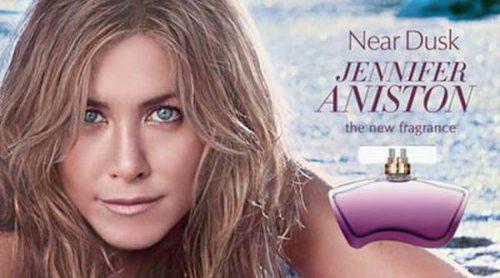 Jennifer Aniston presenta desde la playa su perfume 'Near Dusk'