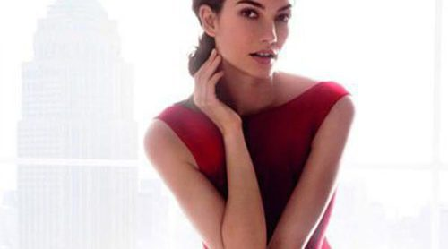 Lily Aldridge, la mujer de rojo del nuevo perfume de Carolina Herrera