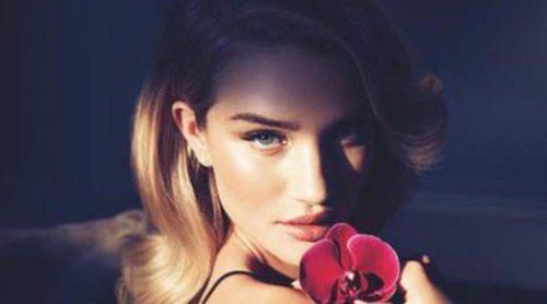 Rosie Huntington-Whiteley lanza la versión nocturna de su perfume 'Rosie for Autograph'