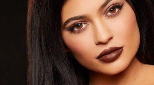 Kylie Jenner arrasa con su primera línea de pintalabios