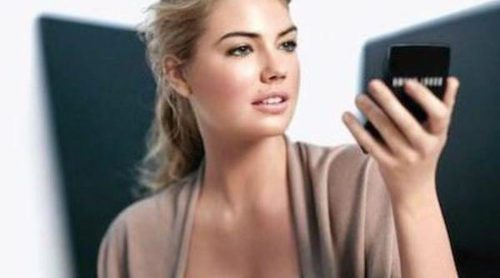 Kate Upton presenta 'The Bobbi Glow Collection' como embajadora de la firma
